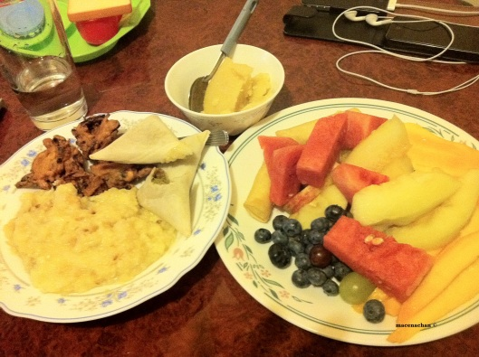 Day 4's Iftaar. The was fresh kisuri, left over pakura, a whole plate full of fruit and the semolina dessert