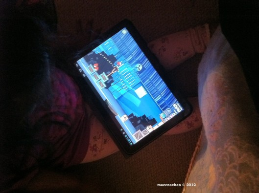© 2012 3 yr old niece playing angry bird on ipad
