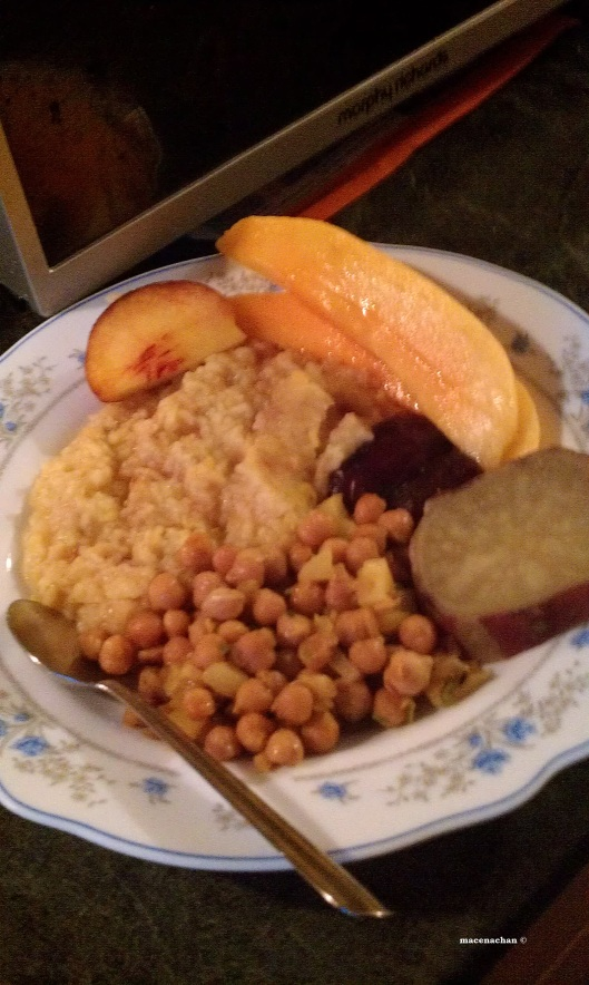 Day 13 My iftaar: It may seem strange why I put my fruit on the same plate and next to the kisuri, but if I didn't, I wouldn't get any later!