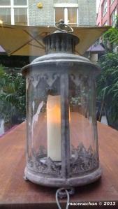 © 2013 tibits cute lamp