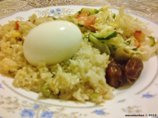 Veggie pillaow rice with salad