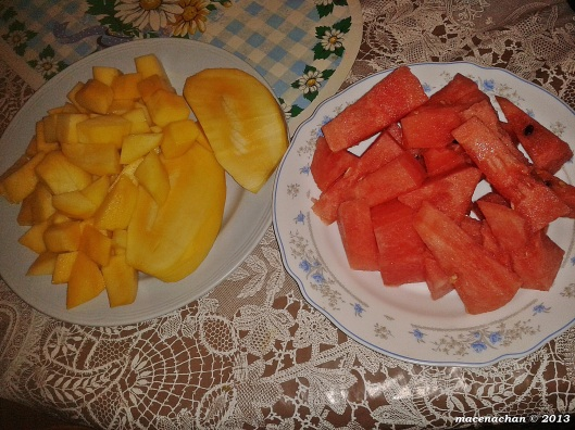 I know the mangoes and watermelon has appeared almost for all 5 days so far, but they are great fruit to have after a long, hot day of fasting :)