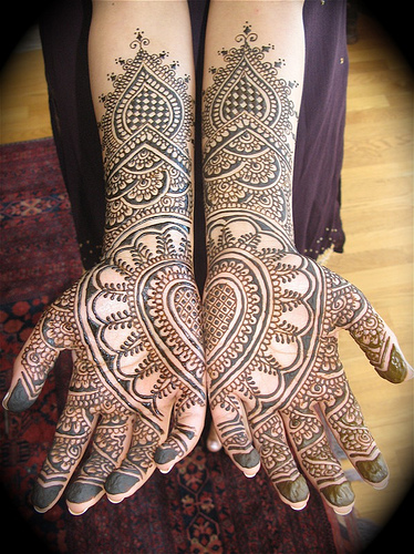 bridal-mehendi-photos-and-pictures-for-hands