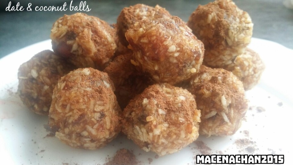 power snack: date and coconut balls