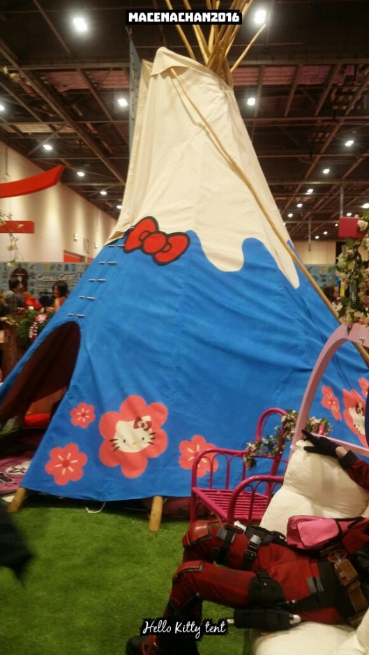 comic con hello kitty tent